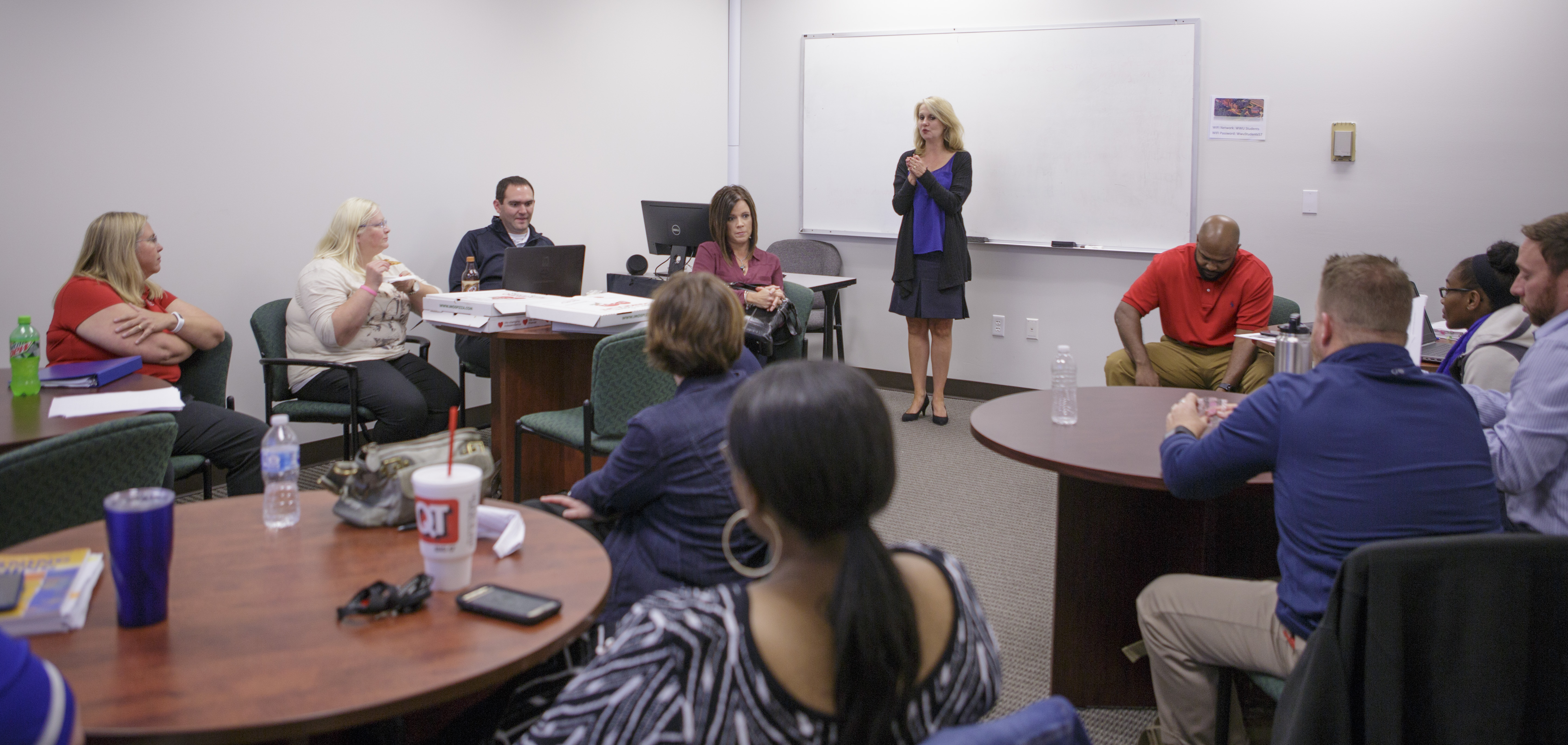 A William Woods professor teaches a cohort class off campus / Courtesy of William Woods University