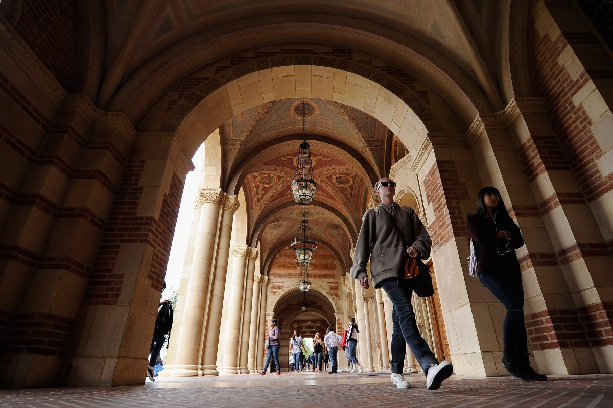 Colleges expand mental health services for students