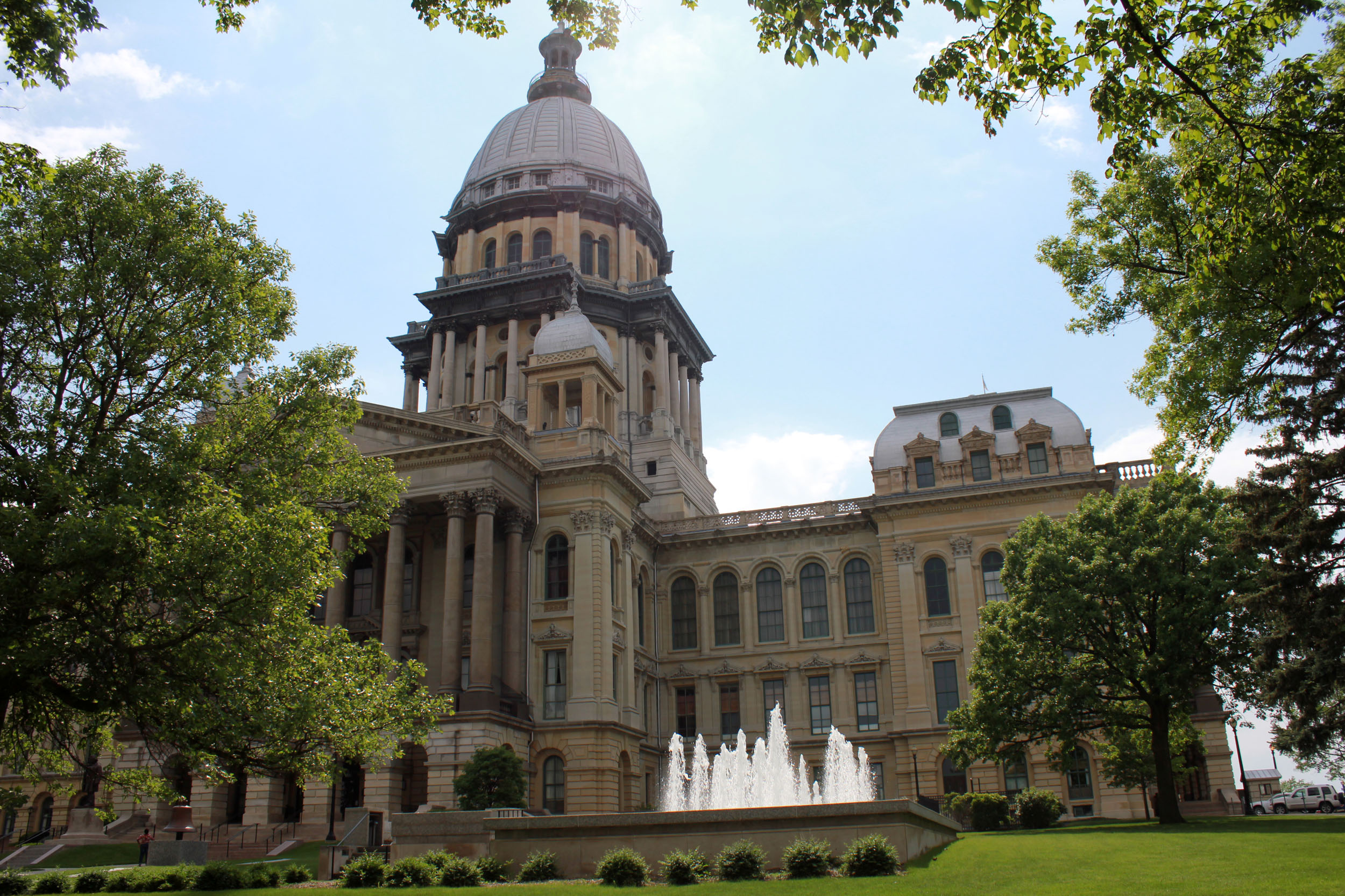 in illinois and pennsylvania budget stalemates force colleges to