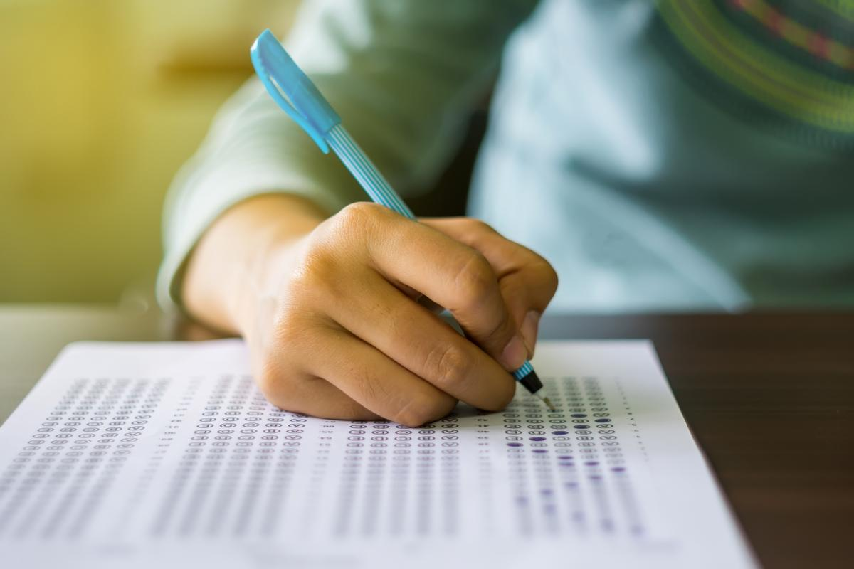 Study Shows Kids Test Scores Drop When >> Minority And First Generation Sat Scores Fall Behind
