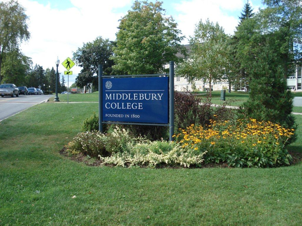 middlebury college essays These middlebury college college application essays were written by students accepted at middlebury college all of our sample college essays include the question prompt.
