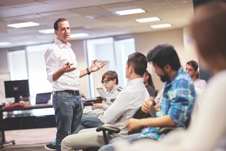 Online instructors differ on whether they need online course experience