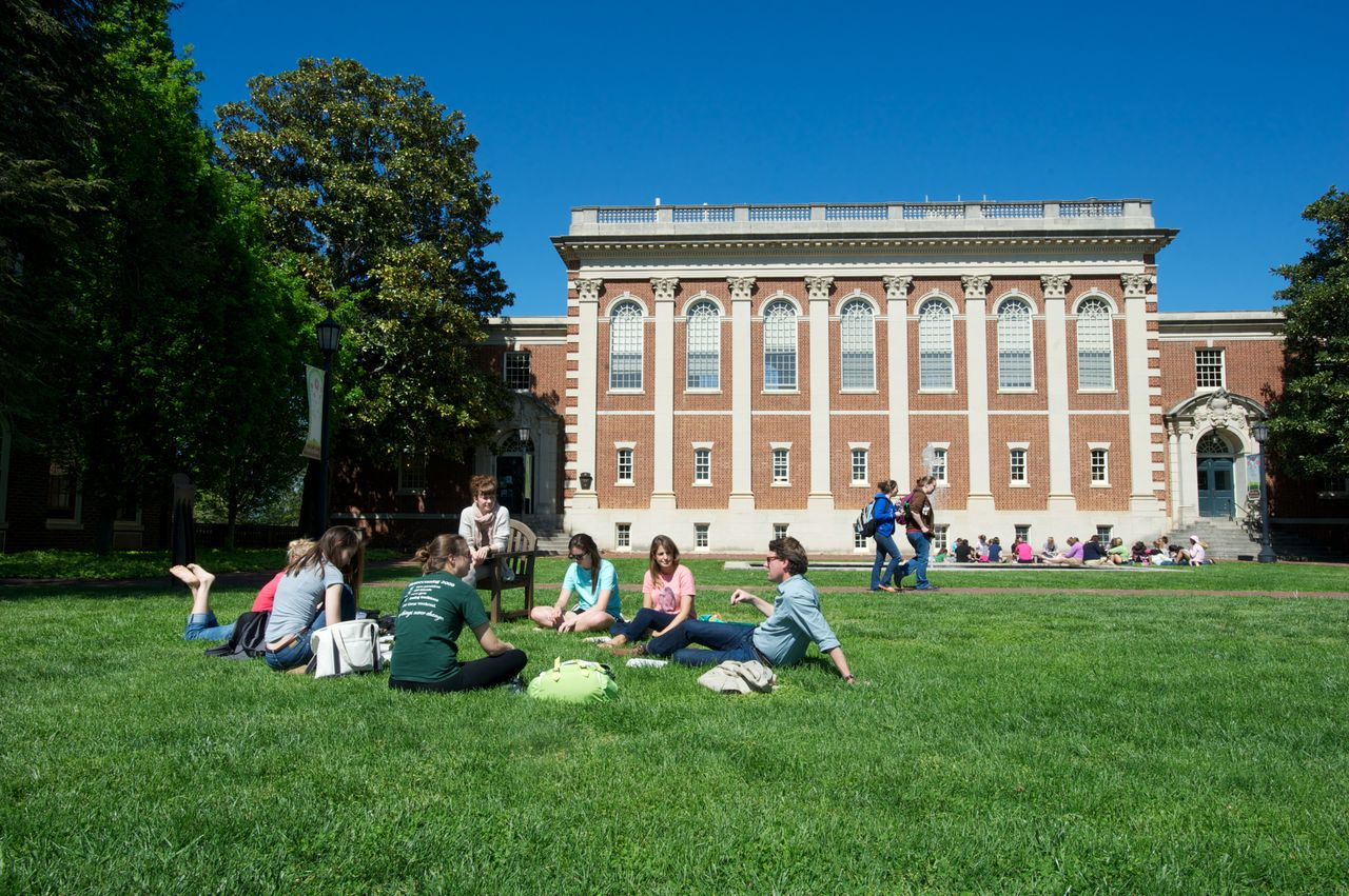 essay reflects on why she enrolled in and left sweet briar college