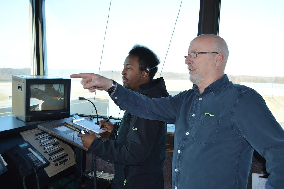 Collegiate air traffic controller programs struggle to ...
