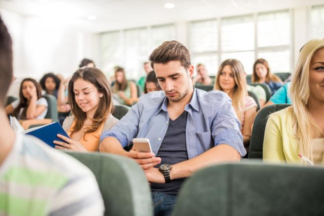 Does cellphone use in class encourage active learning? (essay)